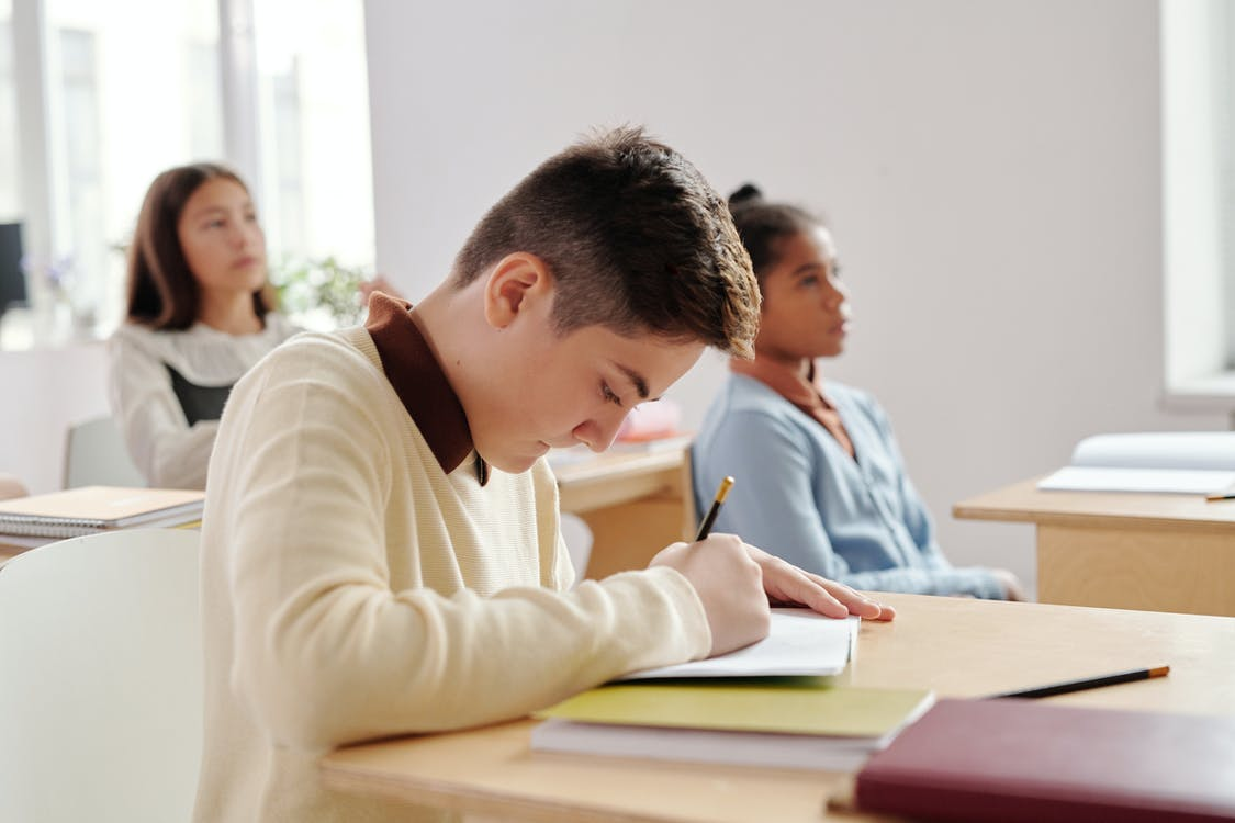 Thesis Writing- A simple guide to students